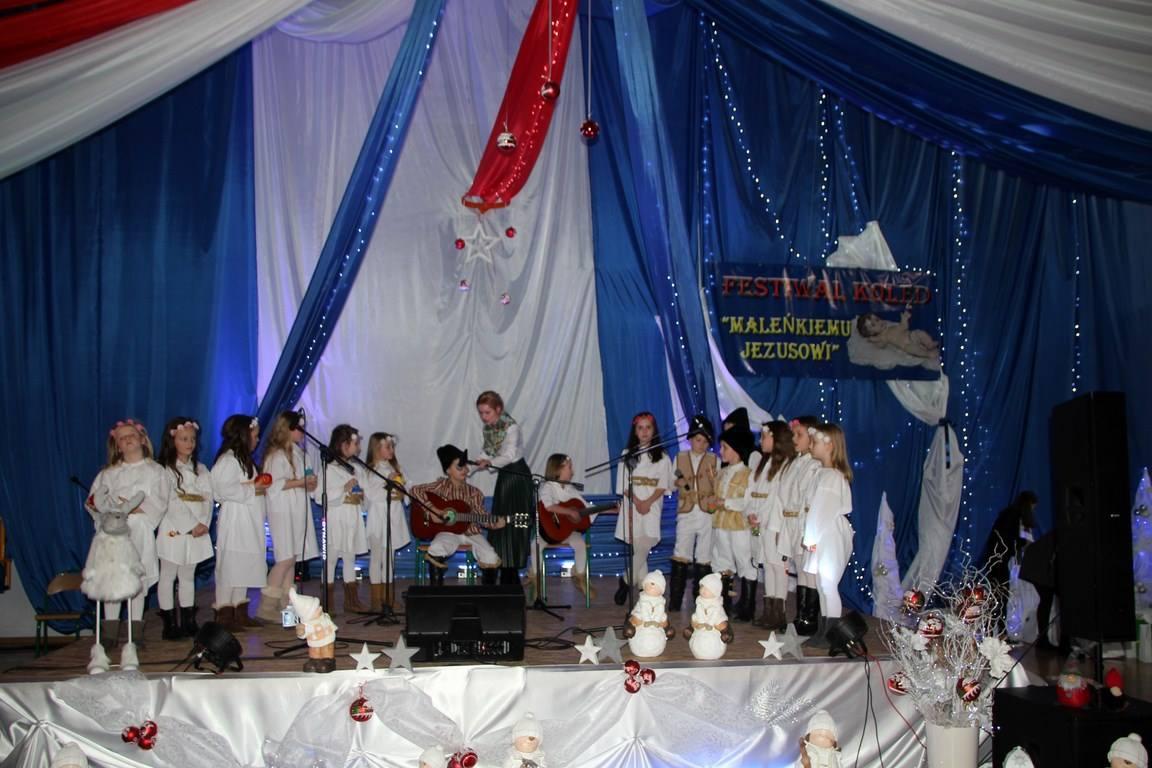 """Koncert laureatów Festiwalu Kolęd """"MALEŃKIEMU JEZUSOWI"""" w Pasierbcu - zdjęcie główne"""