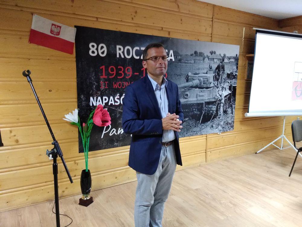 Obchody 80. rocznicy wybuchu II wojny światowej w bibliotece w Męcinie - zdjęcie główne