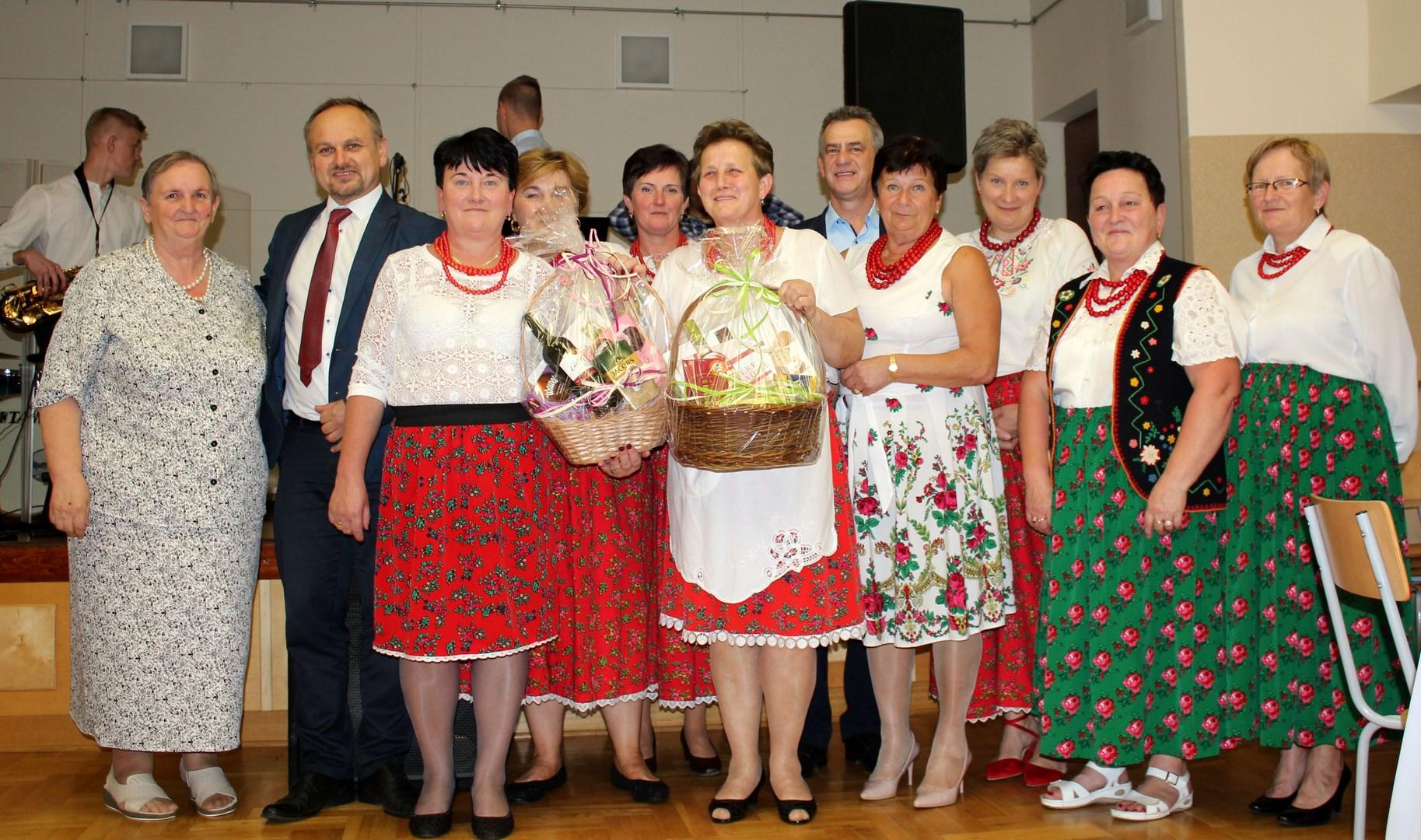Starowiejska Biesiada zorganizowana przez KGW Stara Wieś Rola - zdjęcie główne