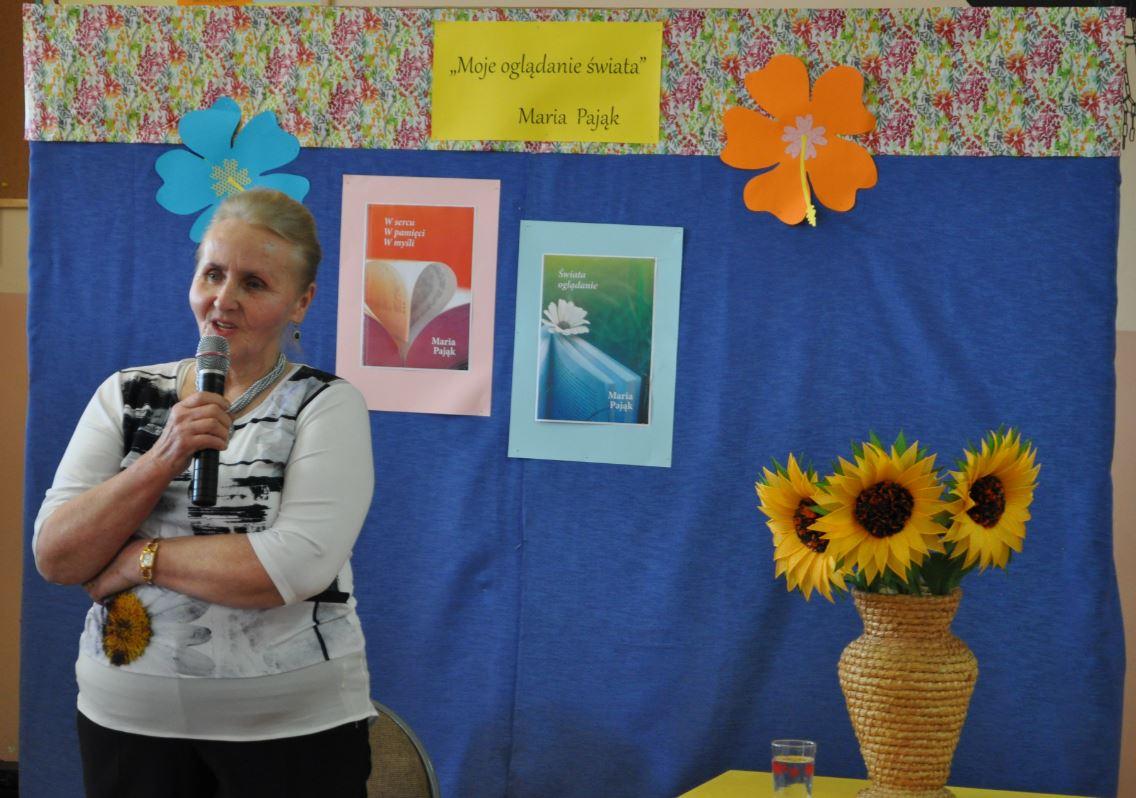 Spotkanie autorskie z Marią Pająk  w Szkole Podstawowej  nr 1 w Siekierczynie - zdjęcie główne