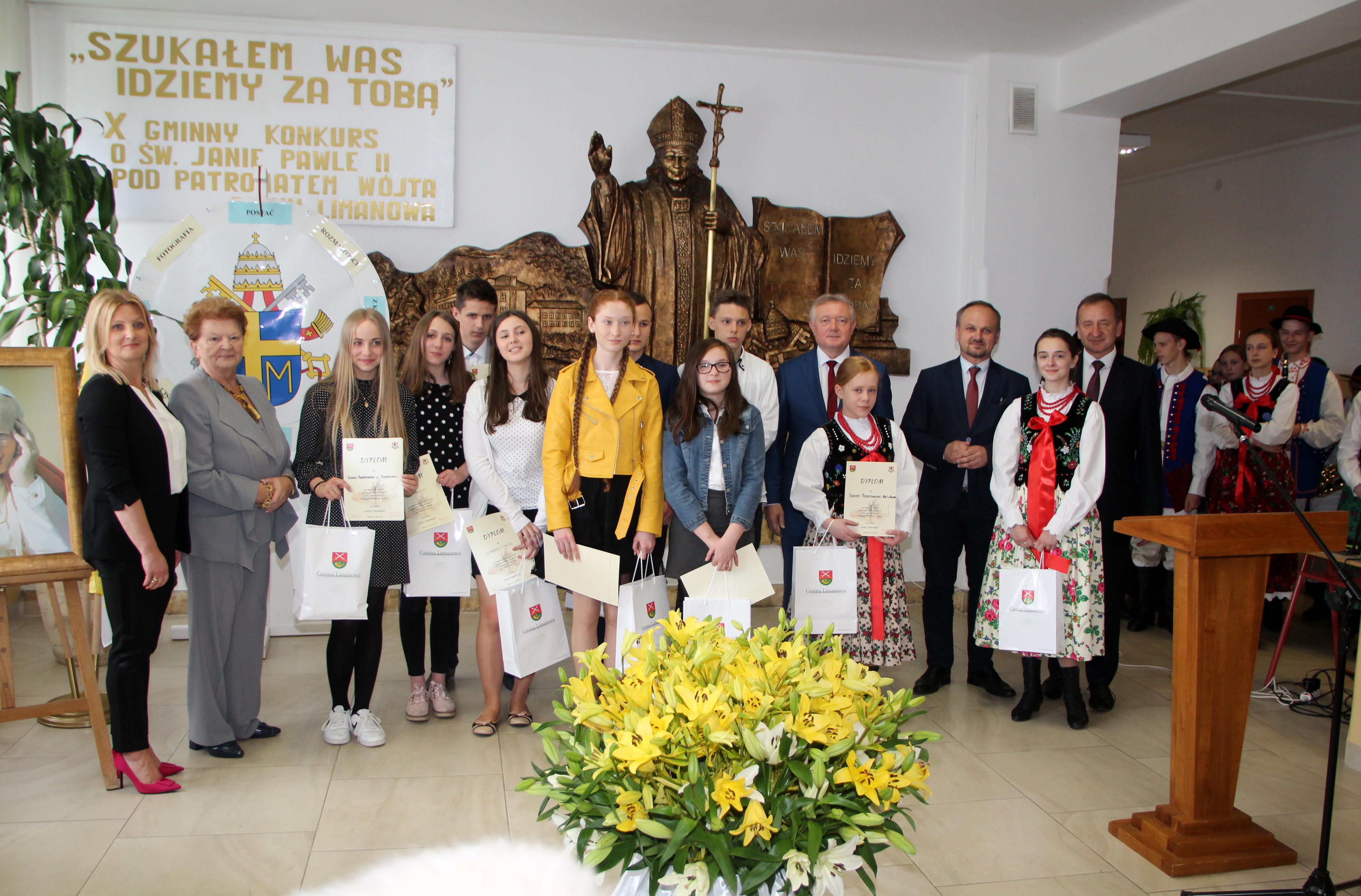 """X Jubileuszowy Konkurs Papieski """"Święty Niepodległej"""" - zdjęcie główne"""