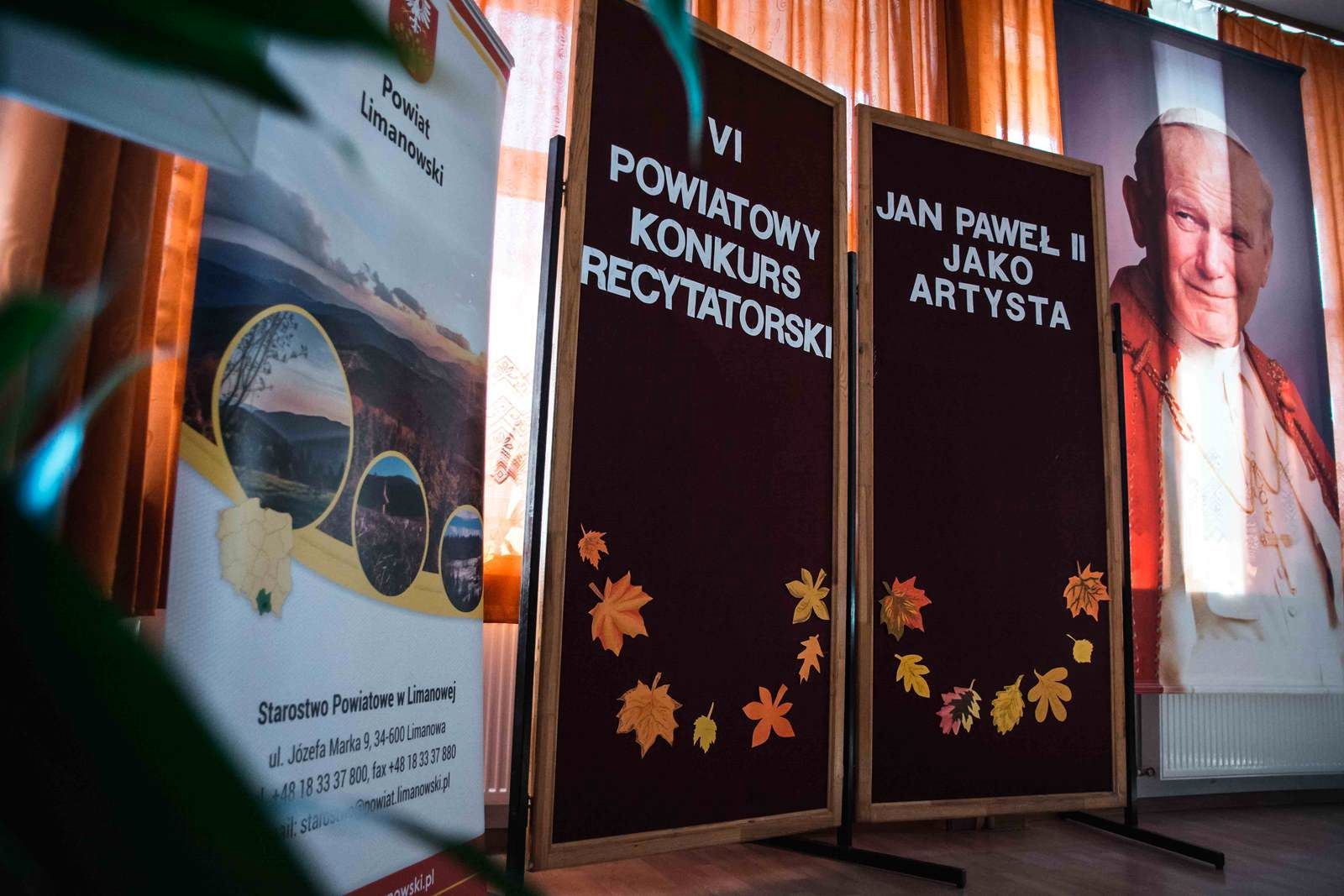 """VI Powiatowy Konkurs Recytatorski """"Jan Paweł II jako artysta"""" - zdjęcie główne"""