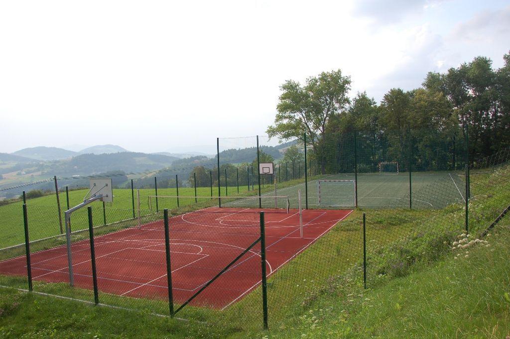 Boisko sportowe w Kaninie