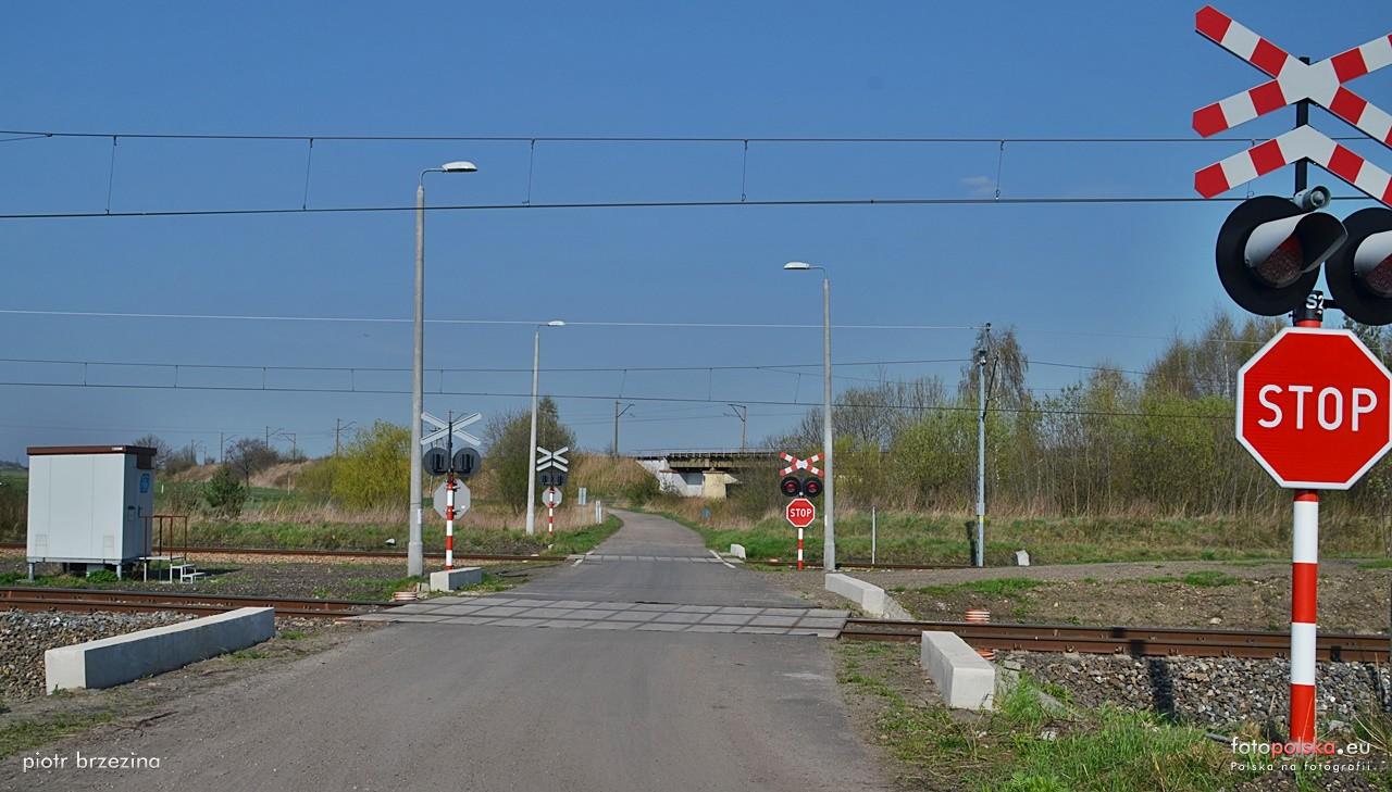Informacja  dotycząca przekwalifikowania lub likwidacji przejazdów kolejowo - drogowych - zdjęcie główne
