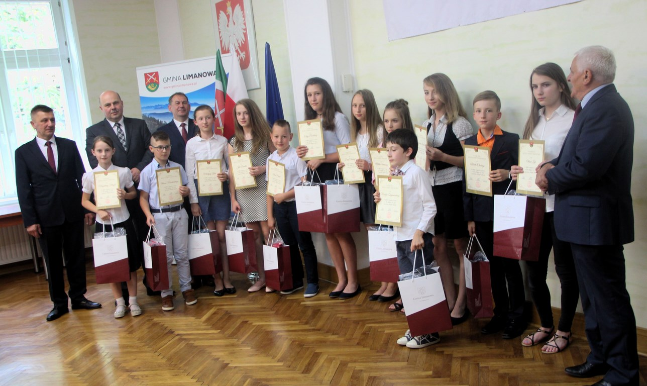 Podsumowanie roku szkolnego 2017/2018  i wręczenie nagród uczniom i nauczycielom - zdjęcie główne