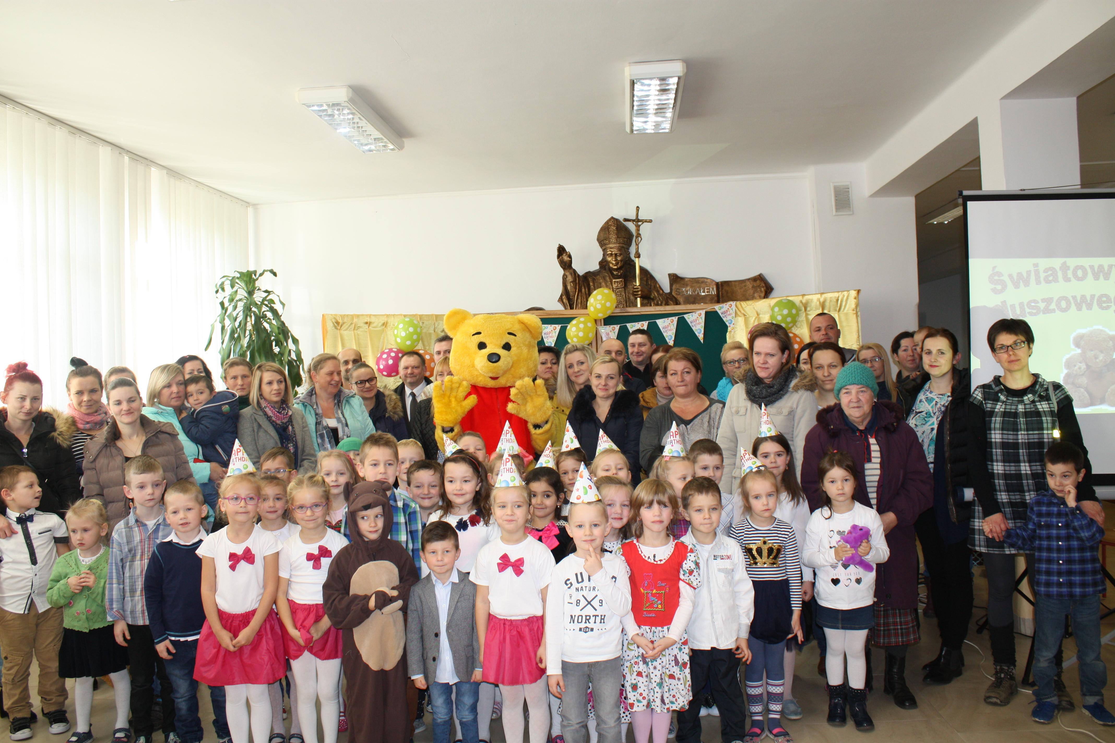 Dzień  Pluszowego Misia w Szkole Podstawowej nr 1 w Męcinie - zdjęcie główne