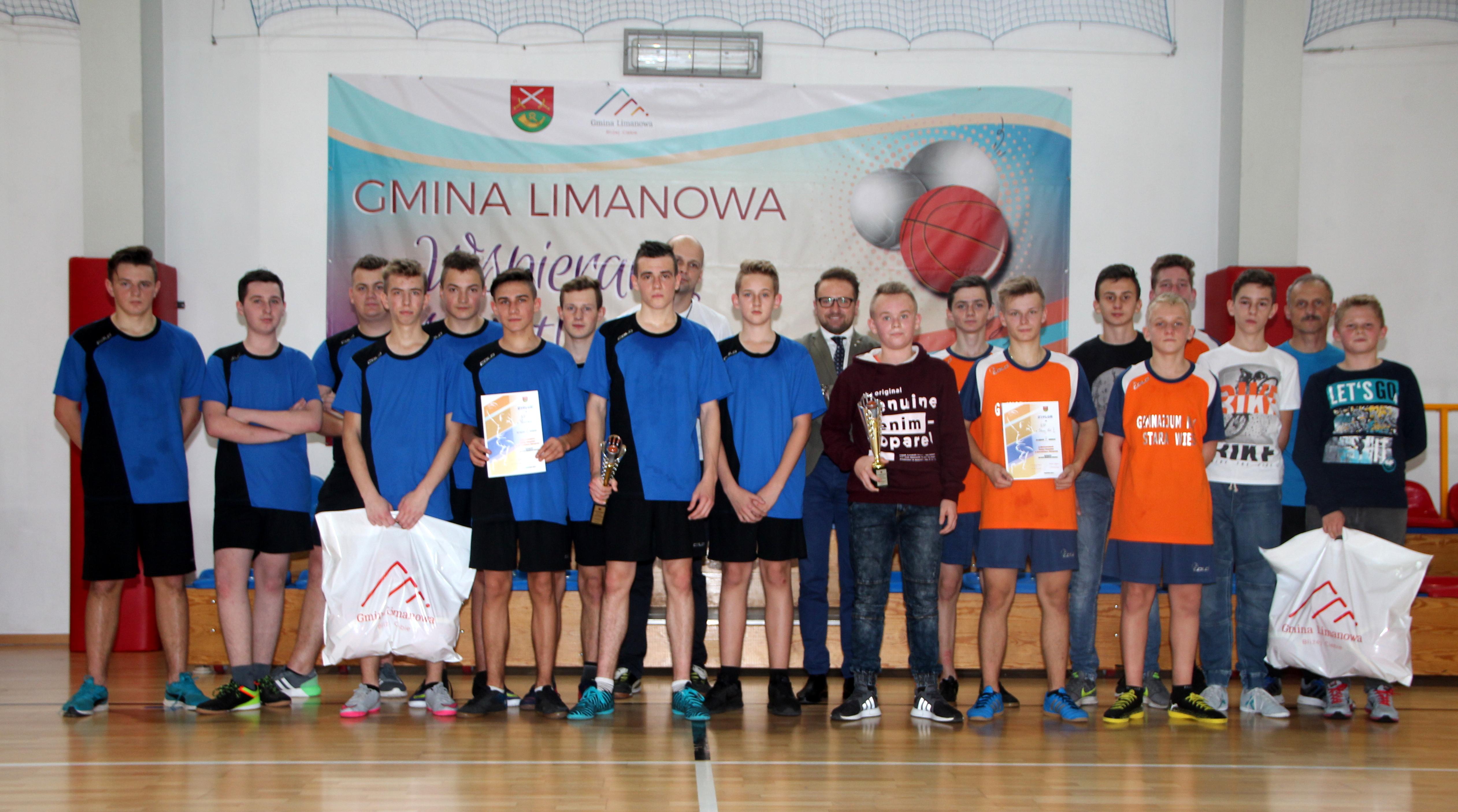 Chłopcy z Pasierbca nowymi Mistrzami w koszykówce! - zdjęcie główne