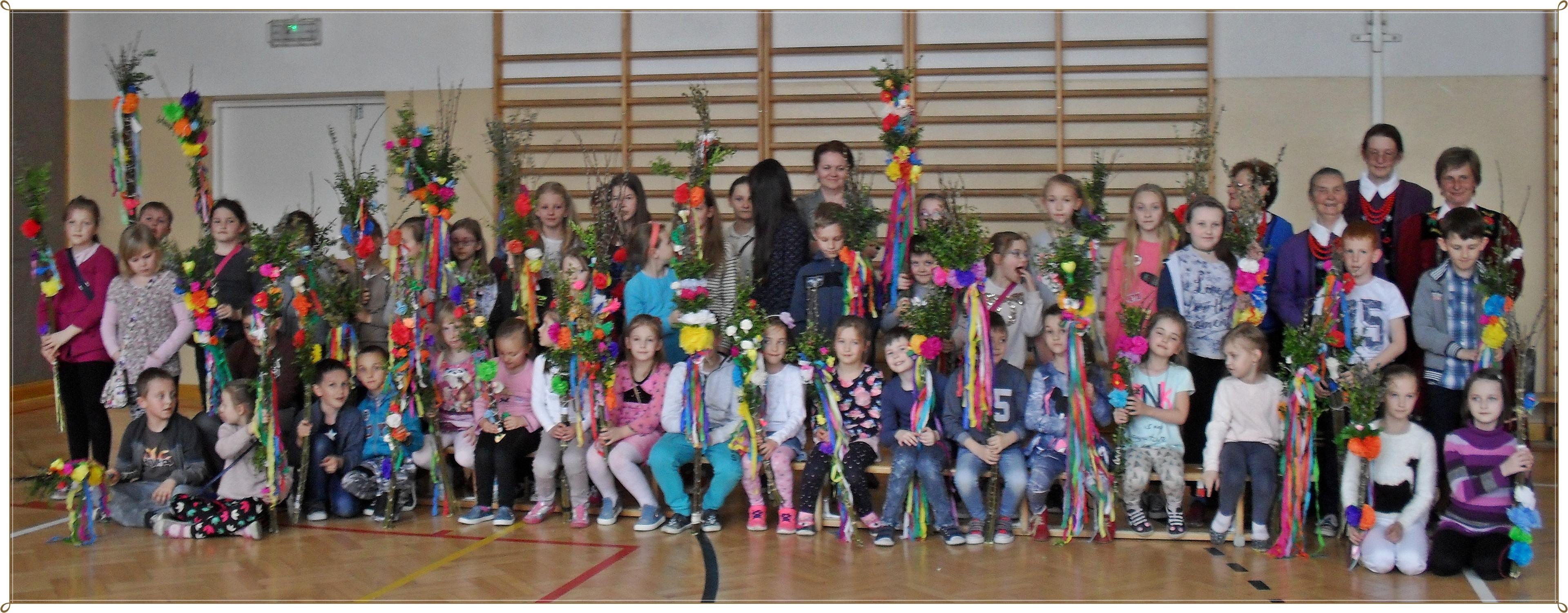Tradycja łączy pokolenia w Zespole Szkół w Pisarzowej - zdjęcie główne