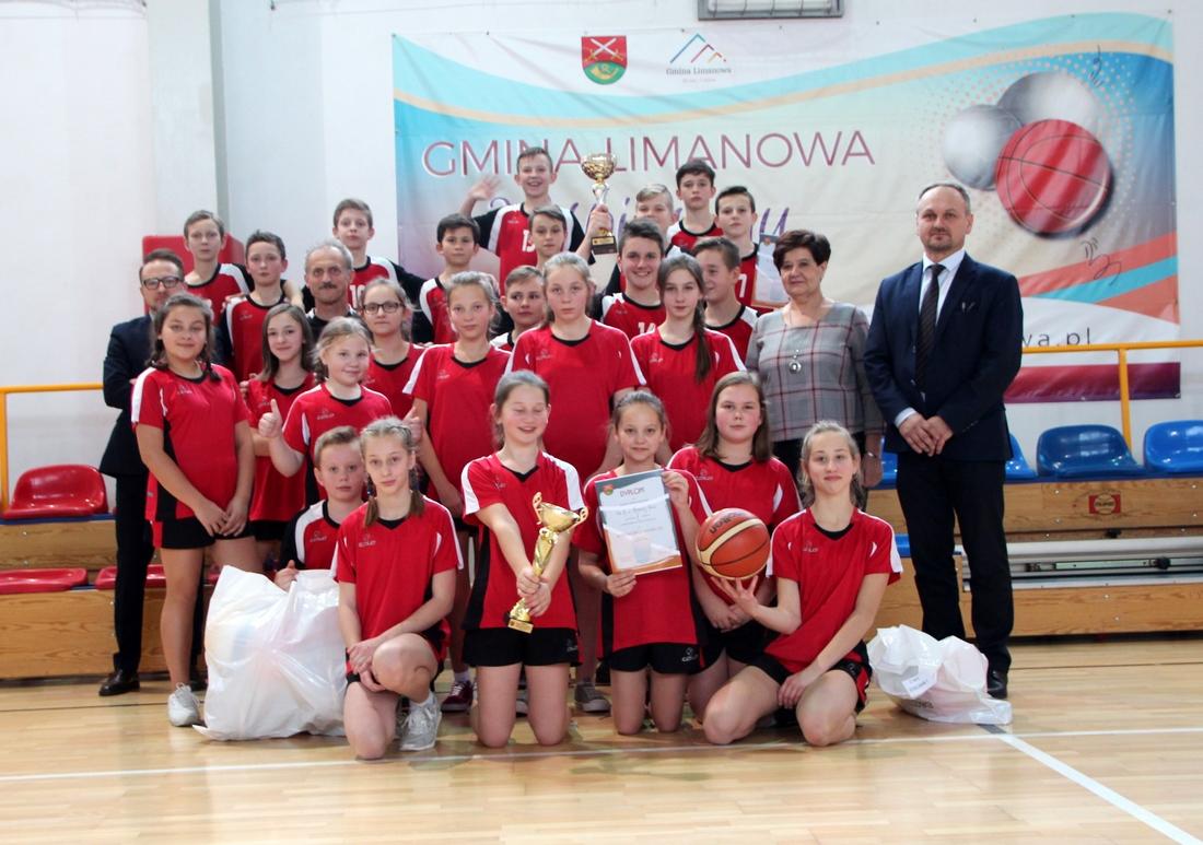 Stara Wieś bezkonkurencyjna w koszykówce dzieci - zdjęcie główne