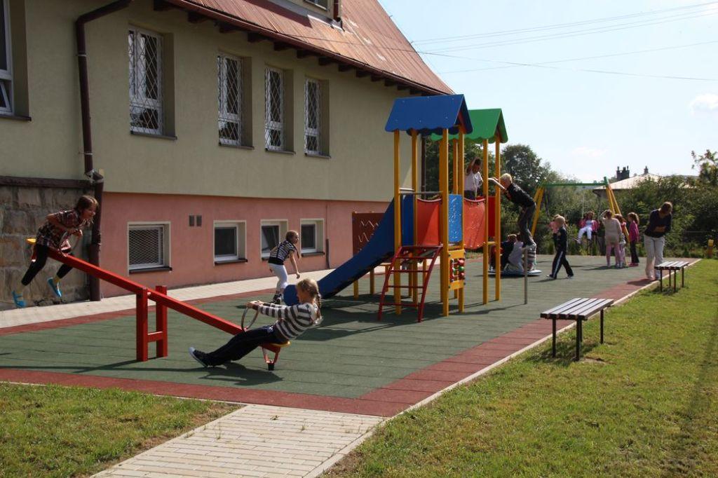 Plac zabaw w Mordarce