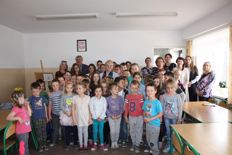 Spotkanie autorskie z poetką Marią Pająk - zdjęcie główne
