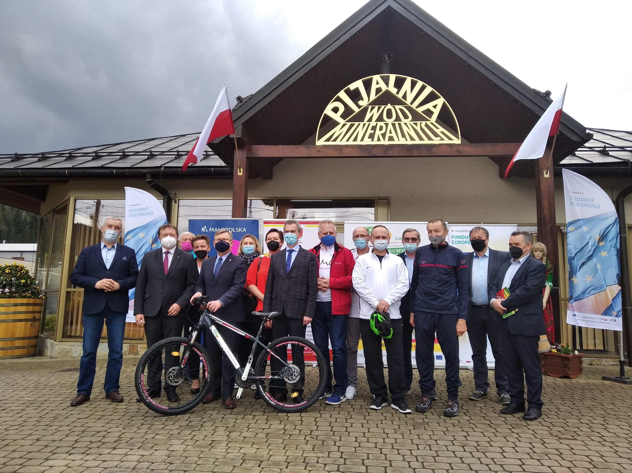Nowe szlaki turystyczne VELO Limanowski oficjalnie odebrane - zdjęcie główne