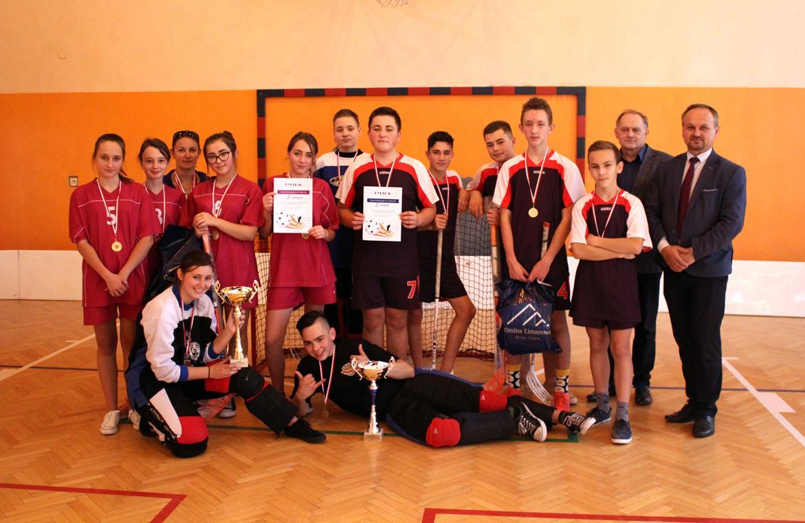 Młodzieżowe Mistrzostwa Gminy Limanowa w Unihokeju Dziewcząt i Chłopców - zdjęcie główne