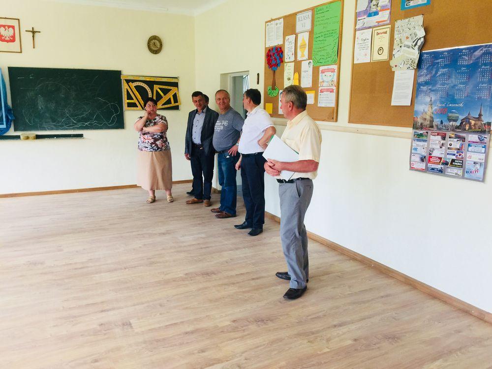 Szkoły gminne po wakacyjnych remontach - zdjęcie główne