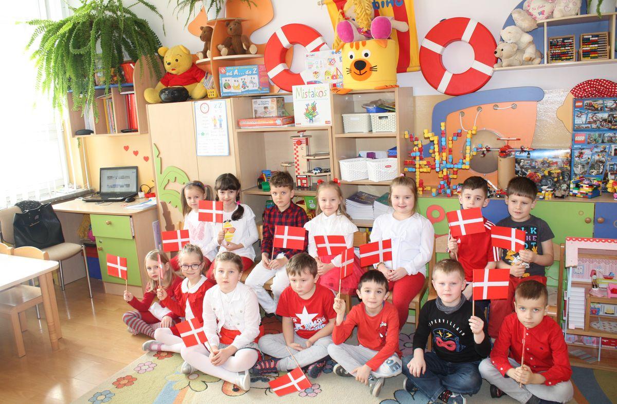 Projekt europejski w  Szkole Podstawowej nr 1 w Męcinie - zdjęcie główne