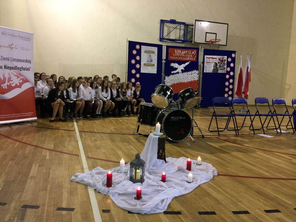 Wieczornica patriotyczna w Szkole Podstawowej nr 1 w Starej Wsi - zdjęcie główne