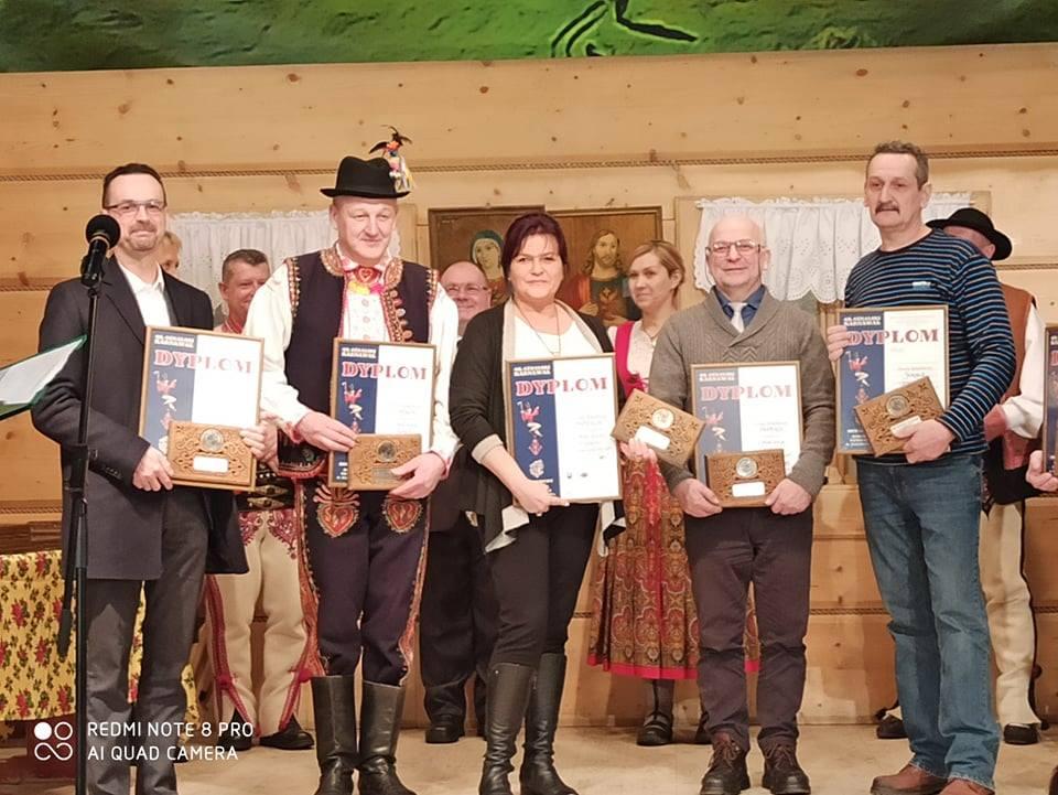 SREBRNA ROZETA dla kolędników z Pisarzowej na ogólnopolskim kolędowaniu w Bukowinie Tatrzańskiej - zdjęcie główne