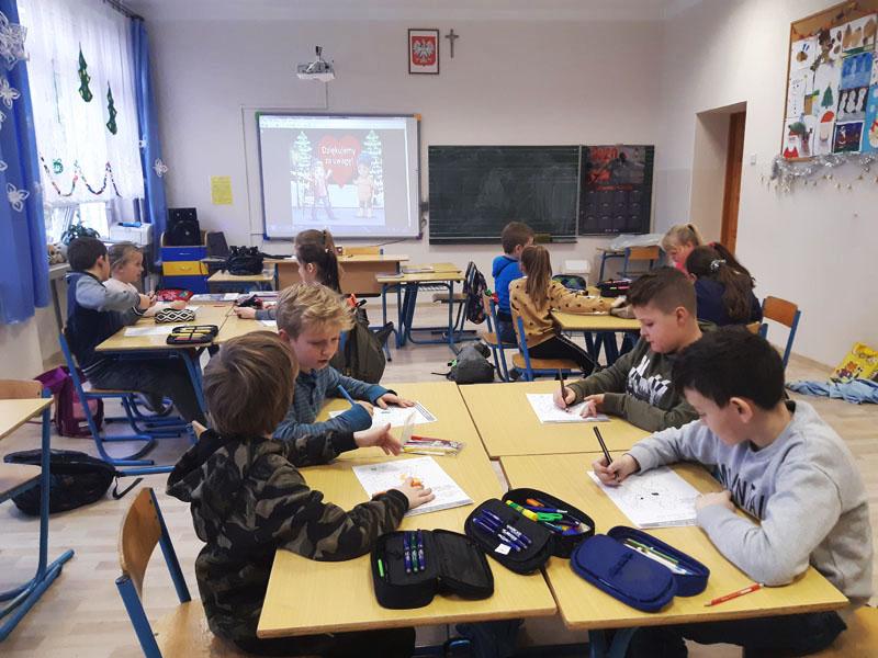"""Ogólnopolska Akcja Edukacyjna """"Dzieci uczą rodziców"""" w SP nr 2 w Siekierczynie - zdjęcie główne"""