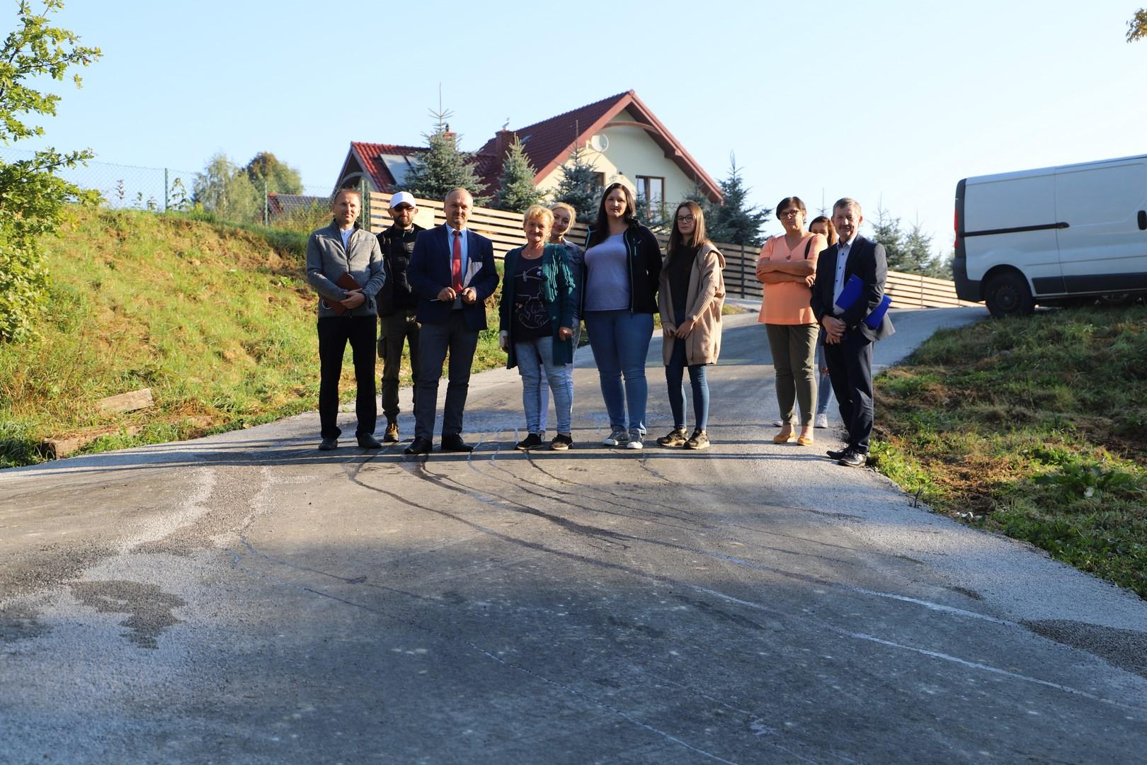 Odbiór przebudowanej drogi rolniczej w Starej Wsi - zdjęcie główne
