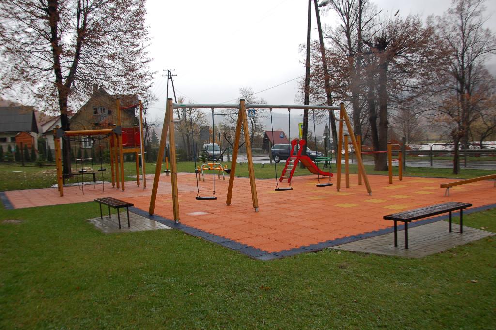 Plac zabaw w Młynnem
