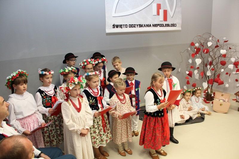 Obchody Święta Niepodległości w Pisarzowej - zdjęcie główne