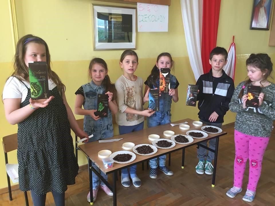 Światowy Dzień Czekolady i Dzień Sztuki w Szkole Podstawowej w Kaninie - zdjęcie główne