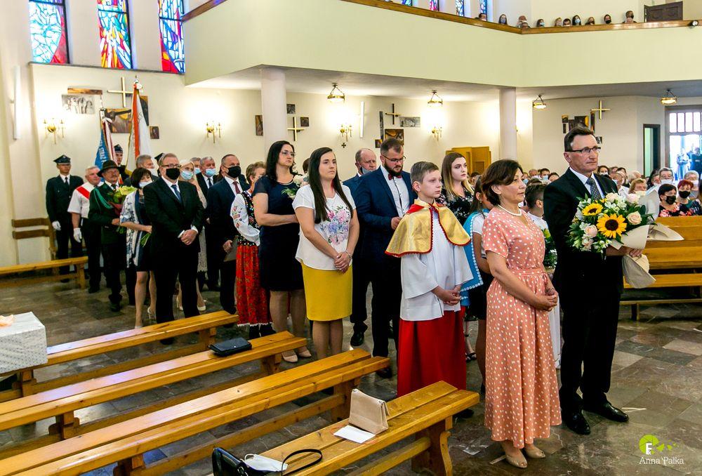 Proboszcz Parafii w Starej Wsi ks. Prałat Marian Tyrka odszedł na zasłużoną emeryturę - zdjęcie główne