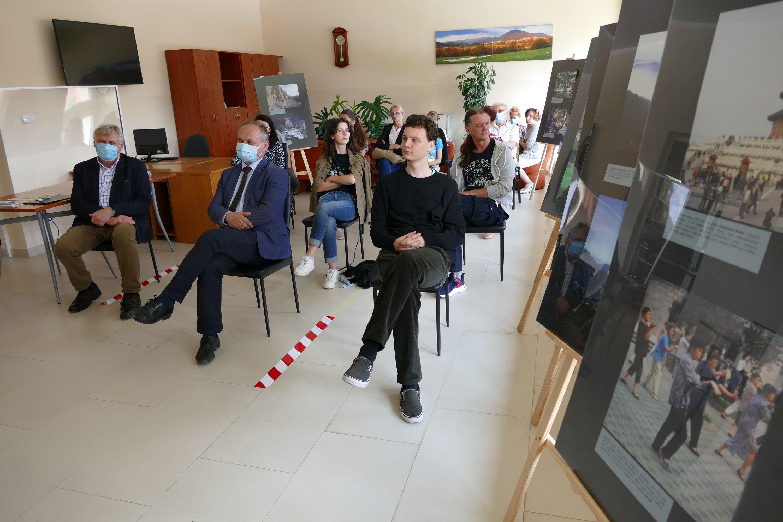 Spotkanie w Bibliotece w Pisarzowej- W podróży do Państwa Środka - zdjęcie główne