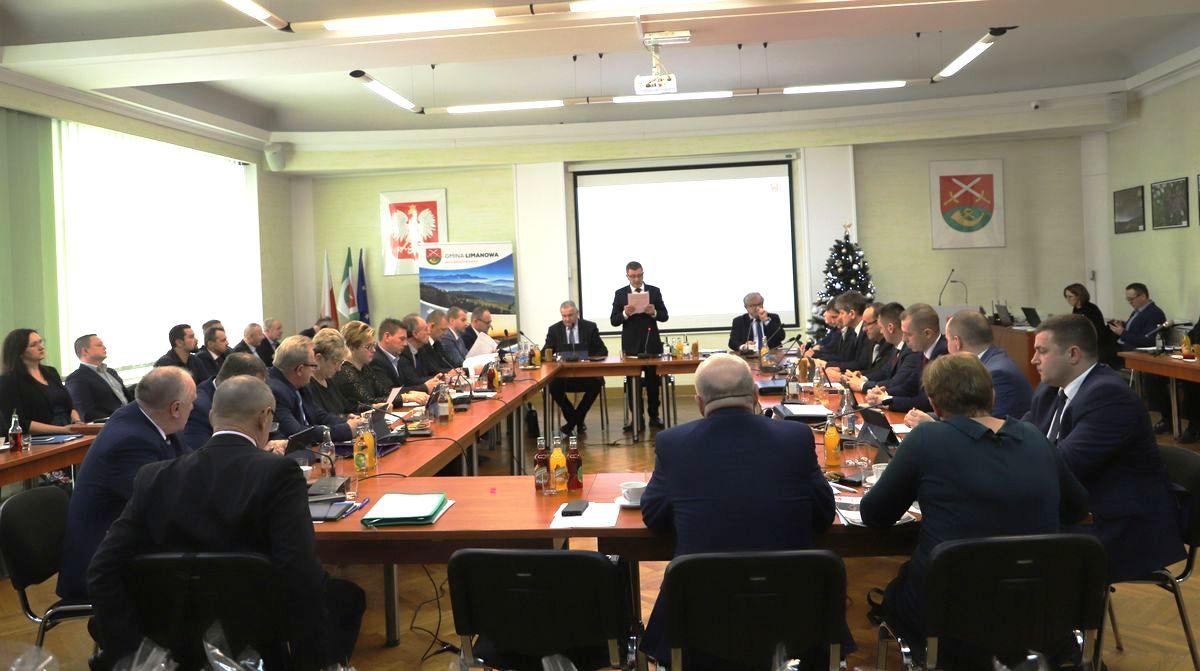 Informacja o XI sesji Rady Gminy Limanowa - zdjęcie główne