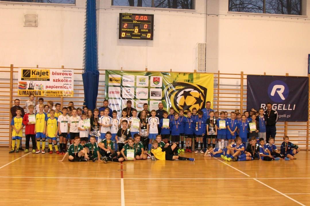 """Piłkarskie zmagania """"młodzików"""" rozpoczęły III edycję Winter Kajet Cup - zdjęcie główne"""
