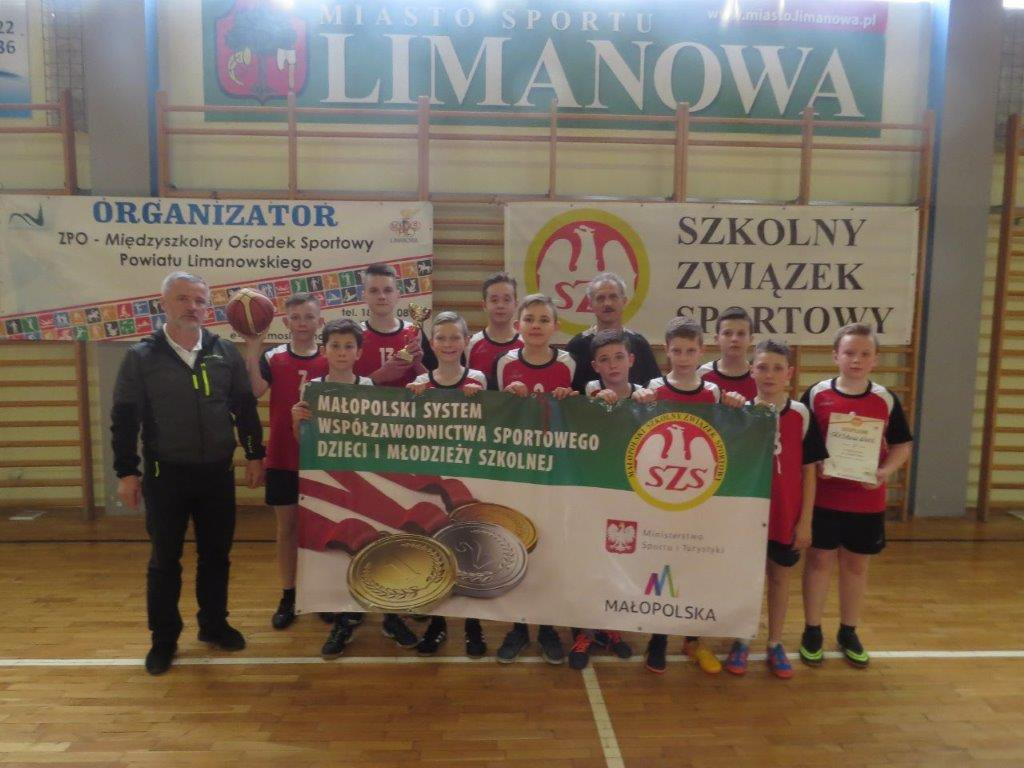 II miejsce koszykarzy ze Starej Wsi w półfinałach wojewódzkich - zdjęcie główne