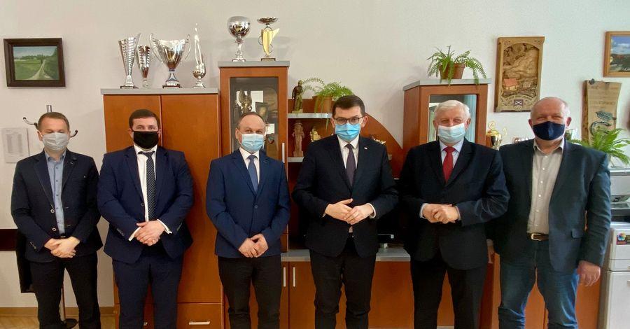 Wizyta Wojewody Małopolskiego Łukasza Kmity w Urzędzie Gminy Limanowa - zdjęcie główne