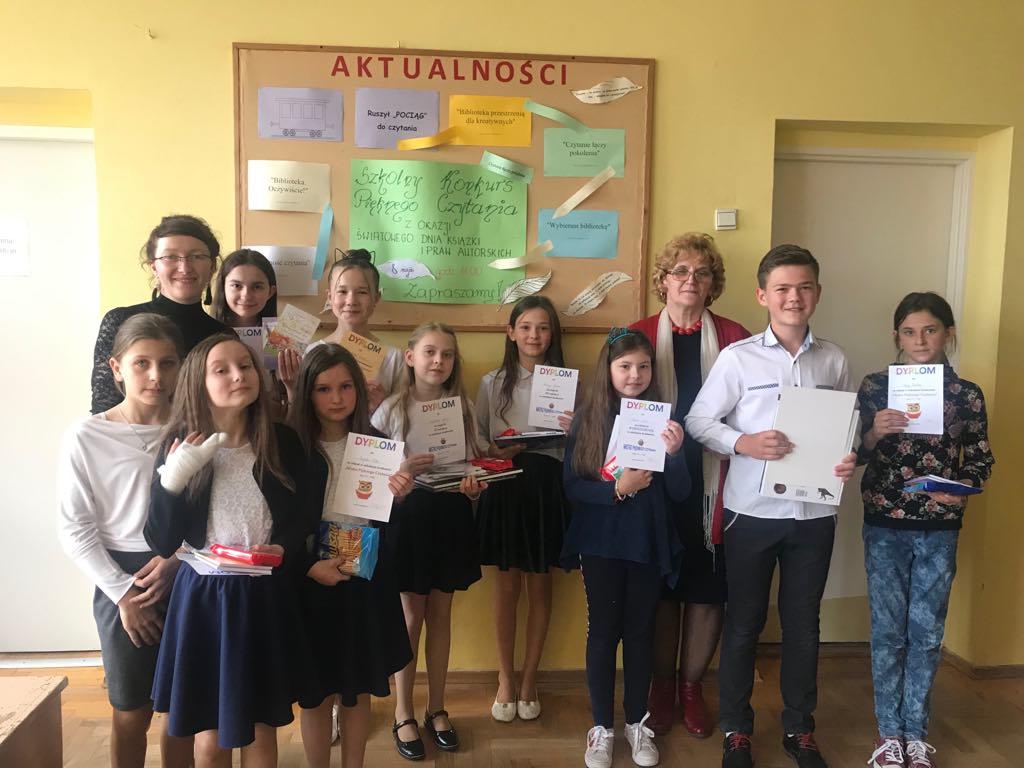 Szkolny konkurs pięknego czytania w Szkole Podstawowej im. Juliana Tuwima w Kaninie - zdjęcie główne