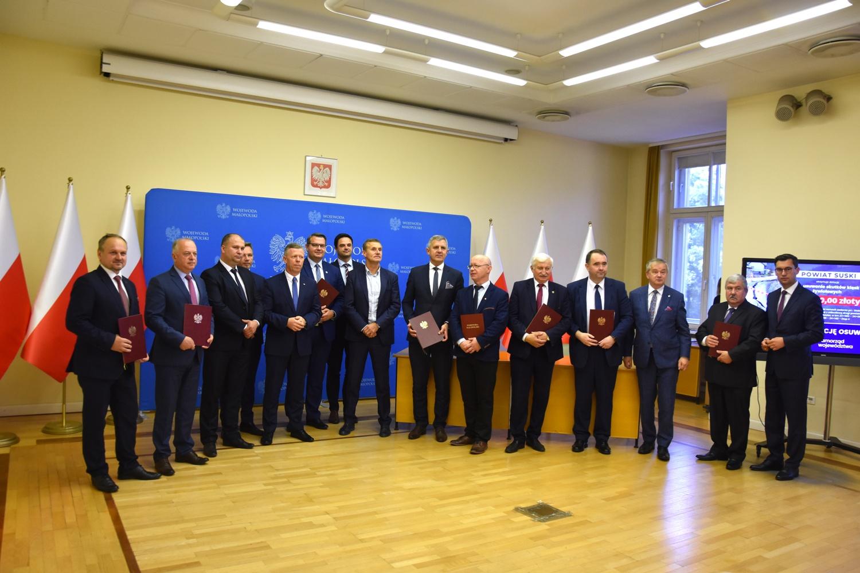 Pozyskanie dofinansowania na remont drogi Siekierczyna - Podlas - zdjęcie główne