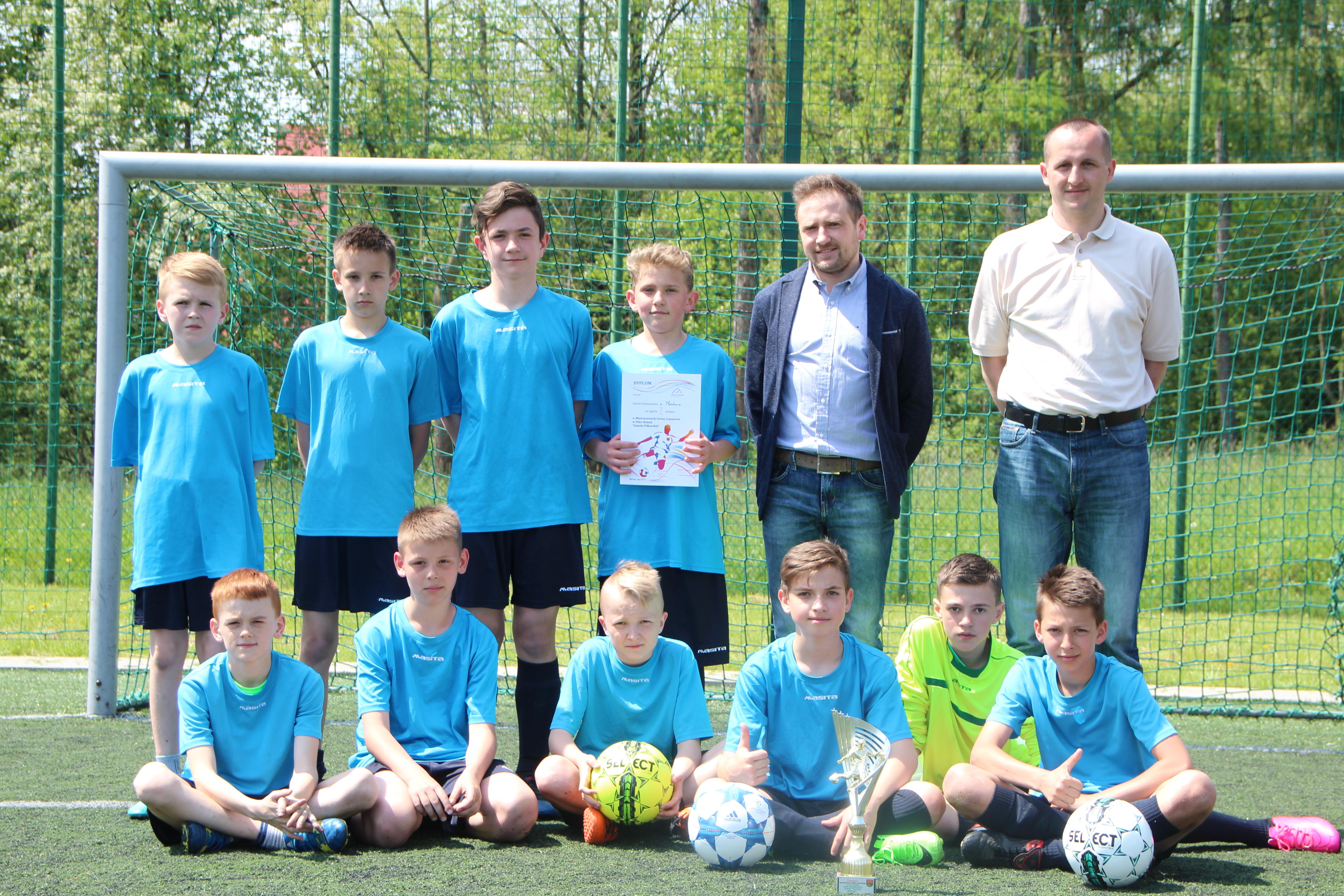 Chłopcy z Mordarki mistrzami gminy w piłce nożnej szkół podstawowych! - zdjęcie główne