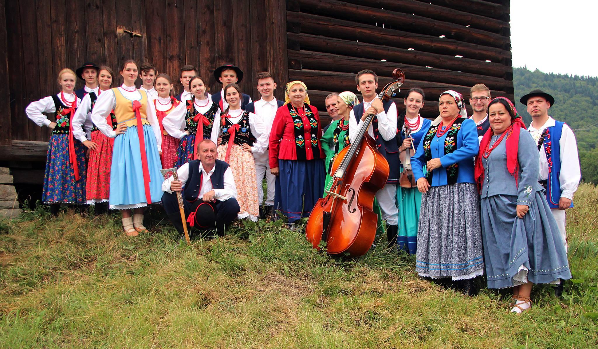 """Zespół Regionalny """"Kijom Worci"""" na Festiwalu """"Beskidzka Podkówecka"""" - zdjęcie główne"""