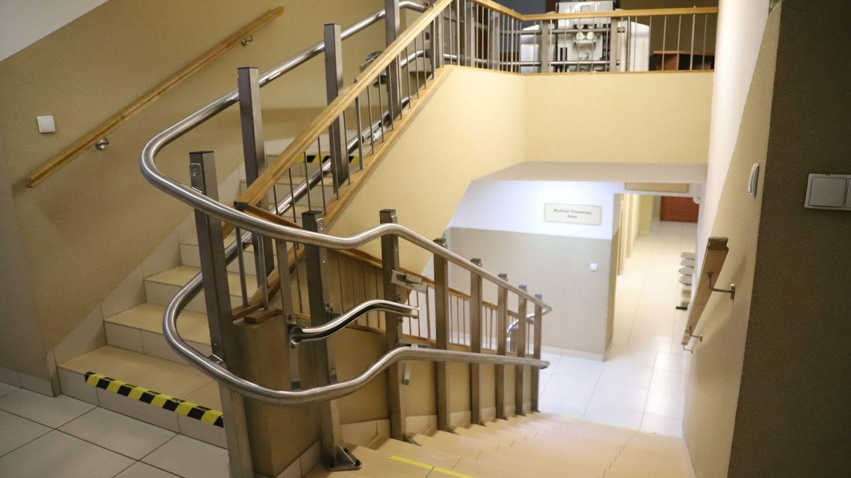 Budynek Urzędu Gminy Limanowa coraz bardziej przyjazny osobom niepełnosprawnym - zdjęcie główne