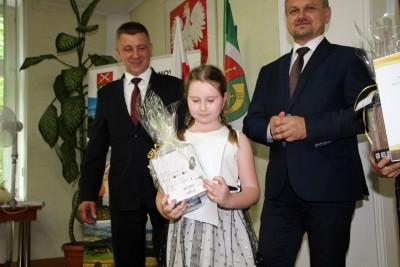 Nagrody dla uczniów, podziękowania dla nauczycieli na uroczystym  podsumowaniu roku szkolnego - Galeria zdjęć - IMG_0458 (Kopiowanie).JPG