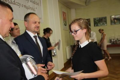 Nagrody dla uczniów, podziękowania dla nauczycieli na uroczystym  podsumowaniu roku szkolnego - Galeria zdjęć - IMG_0448 (Kopiowanie).JPG