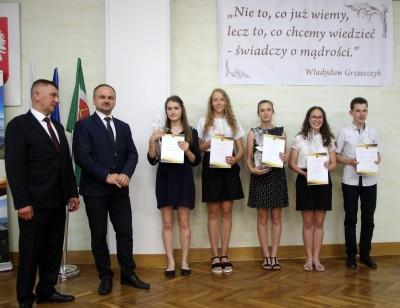 Nagrody dla uczniów, podziękowania dla nauczycieli na uroczystym  podsumowaniu roku szkolnego - Galeria zdjęć - IMG_0432 (Kopiowanie).JPG