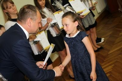 Nagrody dla uczniów, podziękowania dla nauczycieli na uroczystym  podsumowaniu roku szkolnego - Galeria zdjęć - IMG_0482 (Kopiowanie).JPG