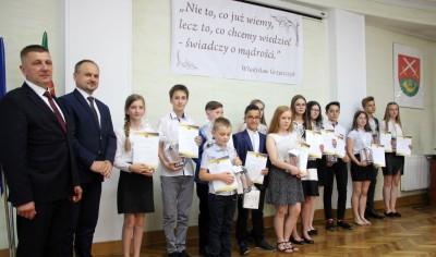 Nagrody dla uczniów, podziękowania dla nauczycieli na uroczystym  podsumowaniu roku szkolnego - Galeria zdjęć - IMG_0413 (Kopiowanie).JPG