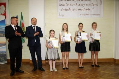 Nagrody dla uczniów, podziękowania dla nauczycieli na uroczystym  podsumowaniu roku szkolnego - Galeria zdjęć - IMG_0466 (Kopiowanie).JPG