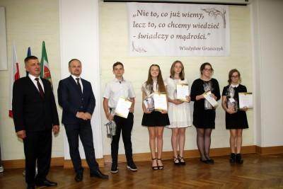 Nagrody dla uczniów, podziękowania dla nauczycieli na uroczystym  podsumowaniu roku szkolnego - Galeria zdjęć - IMG_0450 (Kopiowanie).JPG