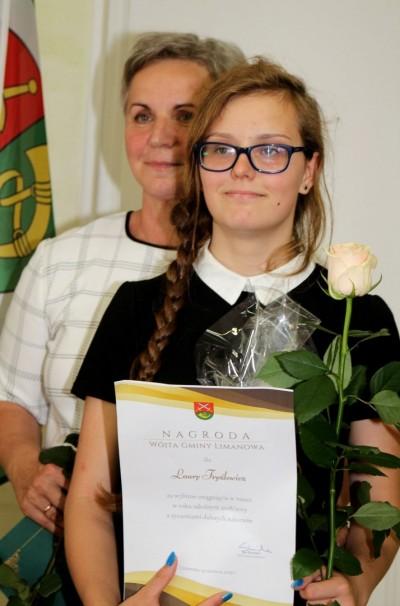 Nagrody dla uczniów, podziękowania dla nauczycieli na uroczystym  podsumowaniu roku szkolnego - Galeria zdjęć - IMG_0695 (Kopiowanie).JPG